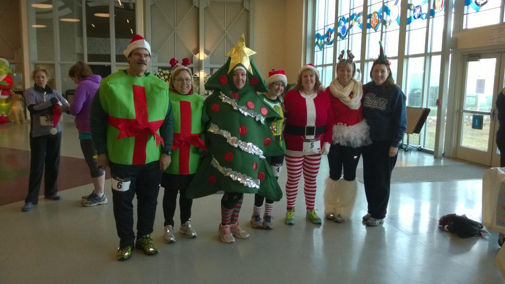 Holiday Coutumes at Santa 5K Race